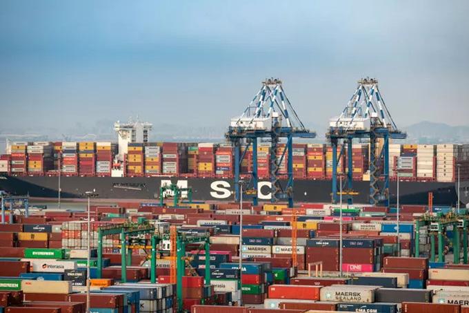 Congestionamento nos portos da China pode prejudicar compras de Natal